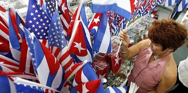 Cuban_and_American_Flag-560x330-771x385