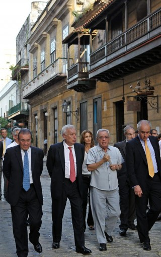 Garcia-Margallo-en-La-Habana-320x510